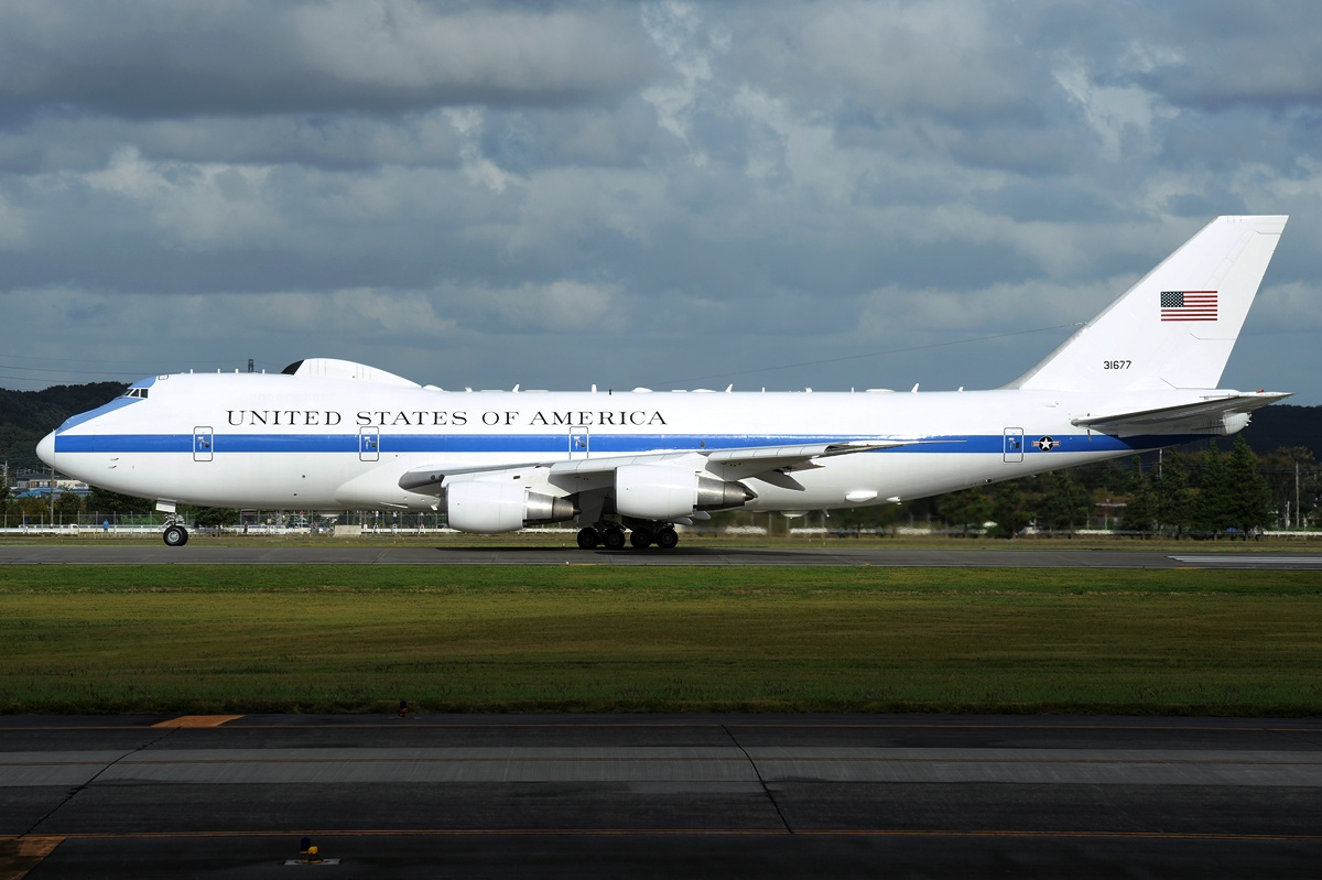 Boeing_E-4B_(747-200B),_USA_-_Air_Force_AN2170281